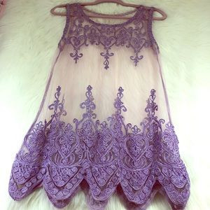Tops - Lavender Vintage embroidered material blouse